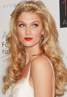 Long Curly Layered Blonde Hairstyle    #hairstyles