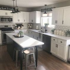 42 Elegant Farmhouse Kitchen Design Ideas To Try Right Now. Kitchen sinks are starting to be home design elements at home. This is obvious because of the designs that the market currently offer for si. Kitchen Redo, Home Decor Kitchen, Kitchen Dining, Dining Table, Farm House Kitchen Ideas, Kitchen Facelift, 10x10 Kitchen, Kitchen Room Design, Long Kitchen