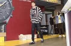 Kyle Kuzma, Nba, Street Wear, Basketball Court, Sports, How To Wear, Sport
