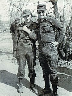 Soviet officers pose during a battle in Angola sometime in the early Super Images, Brothers In Arms, Defence Force, Soviet Union, Special Forces, Cold War, Armed Forces, Warfare, South Africa
