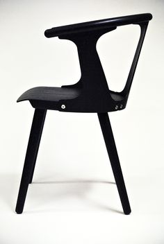 Between Gaps chair