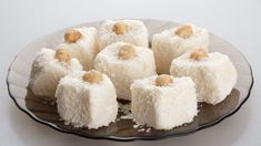 Brzi kokos kolač ~ Recepti i Ideje Köstliche Desserts, Healthy Dessert Recipes, Real Food Recipes, Delicious Desserts, Cooking Recipes, Bolo Vegan, Vegan Cake, Mango Avocado Salsa, Vegan Treats