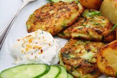 Potato and Zucchini Patties Food Network Recipes, Food Processor Recipes, Cooking Recipes, Healthy Recipes, Greek Appetizers, Appetizer Recipes, Greek Recipes, Light Recipes, Veggie Dishes