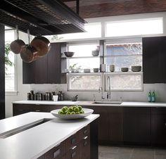 Photo du projet Brown Asian Kitchen à Seattle, WA par DeForest Architects en 2015 … Home Kitchens, Cool Kitchens, Kitchen Design, Kitchen Renovation, Asian Kitchen, Modern Kitchen, Home Decor Kitchen, Kitchen, Home Decor