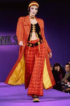 Anna Sui Spring 1993 Ready-to-Wear Fashion Show - Lucie de la Falaise