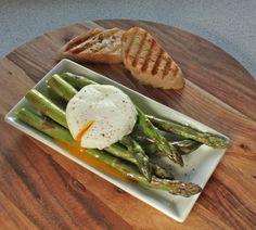 Asparges med pocheret æg