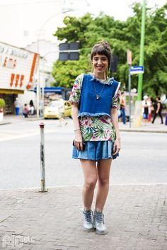 /estilo-pra-dar-e-vender/  Gabriela Corrales é stylist da Farm e tá super aberta a ajudar as clientes com dicas de estilo - que ela tem pra dar e vender!