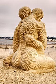 Beach, the place to be ~ sand sculpture Snow Sculptures, Art Sculpture, Art Plage, Instalation Art, Snow Art, Beach Art, Public Art, Love Art, Oeuvre D'art