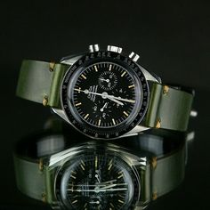 luxury watches at discount prices Stylish Watches, Luxury Watches For Men, Cool Watches, Omega Speedmaster Watch, Omega Seamaster, Omega Speedmaster Reduced, Panerai Straps, Seiko Watches, Beautiful Watches