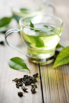9 Proven Ways To Lose Stubborn Belly Fat: Become the queen of this tea. Green tea, 2 or 3 cups daily helps exercise to burn off belly fat. Get Healthy, Healthy Life, Healthy Living, Healthy Recipes, Healthy Choices, Stubborn Belly Fat, Lose Belly Fat, Fast Weight Loss, How To Lose Weight Fast