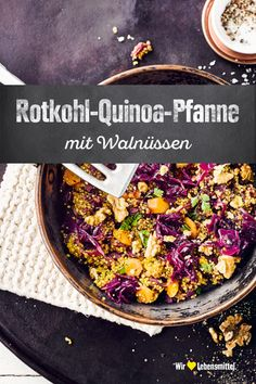 A simple quinoa pan with red cabbage and walnuts: crisp and fresh a quick alternative to classic vegetables! # red cabbage recipes Red cabbage and quinoa skillet EDEKA edeka Wir lieben Wintergemüse. A simple quinoa pan wi Raw Food Recipes, Vegetable Recipes, Seafood Recipes, Gourmet Recipes, Mexican Food Recipes, Vegetarian Recipes, Healthy Recipes, Ethnic Recipes, Authentic Mexican Recipes