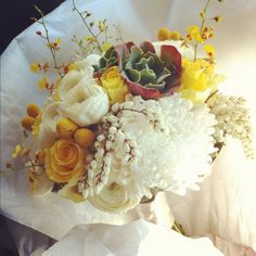 Saw this bouquet on Clementine Posy's page and immediately thought of your big day :)