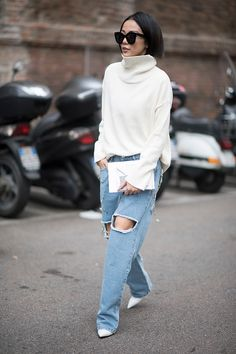 A guest seen during Milan Fashion Week Fall/Winter 2017/18 on February 23 2017 in Milan Italy #StreetStyle