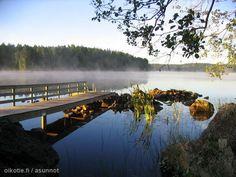 Morning dusk at a summer cottage / Aamu sarastaa kesämökillä