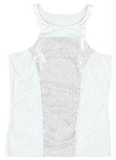 Regata branca em viscose - http://www.cashola.com.br/blog/moda/roupas-brancas-incriveis-para-o-reveillon-383