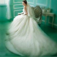 royal princess Korean Lace Bra wrapped chest long tail wedding dress