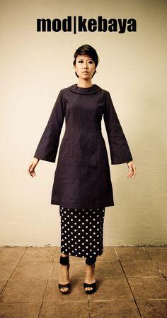 Mod kebaya inspirational designs. Kebaya Lace, Batik Kebaya, Traditional Fashion, Traditional Outfits, Kebaya Encim Modern, Model Kebaya, Fashion Outfits, Womens Fashion, Designer Dresses