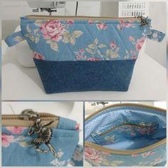Nenhuma descrição de foto disponível. Small Zipper Pouch, Zipper Bags, Mochila Tutorial, Zipper Pouch Tutorial, Patchwork Bags, Bag Patterns To Sew, Denim Bag, Fabric Bags, Handmade Bags