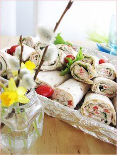 vaaleanpunainen marenki-blogi: rieskarullat Creative Food, Fresh Rolls, Potato Salad, Food And Drink, Sweets, Snacks, Chicken, Breakfast, Ethnic Recipes