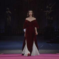 Haute Couture Style, Couture Mode, Couture Fashion, Runway Fashion, High Fashion, Fashion Show, Fashion Brands, Fashion Design, Fashion 2020