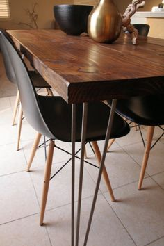 nice Organic Modern Rustic Dining Table with Hairpin by MetalMeetsWood Just the . - Home Decor Rustic Dining, Dining Room Decor Rustic, Modern Farmhouse Dining Room Decor, Modern Rustic Dining Table, Rustic Dining Room, Dining Chairs, Modern Dining, Dining Table Chairs, Farmhouse Dining Rooms Decor