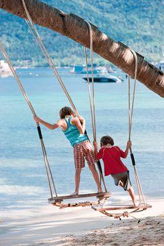 Summer-Love on the swings