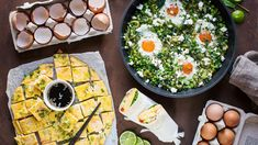 Bude to omeleta, shakshuka nebo snad snídaňové burrito? Burritos, Palak Paneer, Camembert Cheese, Ethnic Recipes, Food, Bude, Breakfast Burritos, Essen, Meals