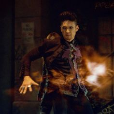 Someone has to go back that alley and collect the buttons of Magnus' shirt! Freeform Tv Shows, Beyond Two Souls, Shadowhunters Season 3, Magnus And Alec, Dominic Sherwood, Shadowhunters The Mortal Instruments, Alec Lightwood, Clace, The Infernal Devices