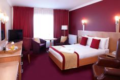 Clayton Hotel Dublin Airport-Double Bedroom