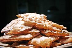 Božie milosti (křeháčky) in slovak Czech Recipes, Sweet And Salty, Sweet Life, Apple Pie, Sweet Recipes, Waffles, Sweet Tooth, Food And Drink, Cooking