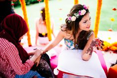 10 Ways to Style your Hair with Florals this Wedding Season   Beauty   WeddingSutra