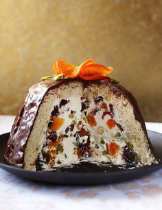Recipe: Cheat's Christmas ice-cream bombe Ice Cream Treats, Ice Cream Desserts, Frozen Desserts, Ice Cream Recipes, Christmas Pudding, Christmas Sweets, Christmas Cooking, Christmas Ice Cream Cake, Christmas Cakes