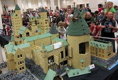 LEGO - Brickcon : Harry Potter -  Hogwarts School of Witchcraft and Wizardry......holy awesomeness!!!