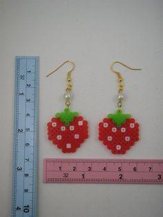 Handgefertigte Ohrringe / Hama Perlen / Perler Beads / Erdbeere Frucht