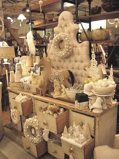 A large dresser could replace a table at a craft fair and give you display space in the drawers Antique Booth Displays, Craft Booth Displays, Vintage Display, Display Ideas, Booth Ideas, Window Displays, Christmas Booth, Christmas Store Displays, Christmas Ideas