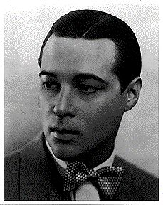 This was Anthony Dexter's photo. He looked little like Rudolph Valentino (I think). Rudolph had beautiful smiles. :-D