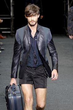 Louis Vuitton S/S 2010 Menswear Paris Fashion Week