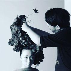 work in tokyo #hikaruseino  We are having people to be taken photos in order to make relationships between humans and natures.  人と自然との関係を広める為に撮影して頂いてもらってます  #ganon #hananingen #flower  #hair #flowerart #flowerdesign  #design #designer #fashion  #tokyo  #sapporo #花人間 #花 #東京 #arrangement  #bouquet  #flowershop #flowerstagram  #war #photo #art #message #peace #flowlarts #japan  #japaneseartist  #florist #florista