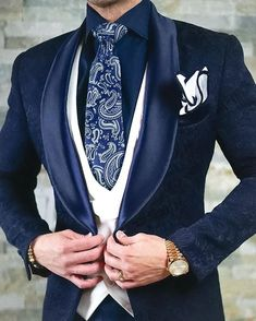 That Navy Blue Paisley Dinner Jacket w/ White Double Breasted Waistcoat, Persiano Paisley Necktie, High Collar Navy Shirt,… Sharp Dressed Man, Well Dressed Men, Mens Fashion Suits, Mens Suits, Men's Fashion, Blazer Fashion, Tuxedo Jacket, Suit Jacket, Taxido Suit