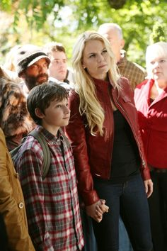 Emma and Henry (and Leroy in the background) from Once Upon a Time. Love this shot...love this show.