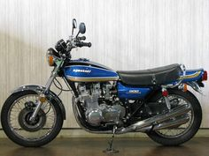 Motos Kawasaki, Kawasaki 900, Kawasaki Motorcycles, Cars And Motorcycles, Japanese Motorcycle, Touring Bike, Old Bikes, Classic Bikes, Vintage Bikes