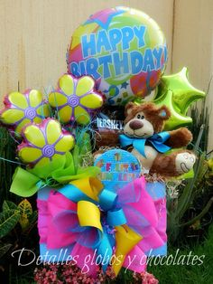 Arreglos Bouquet Box, Gift Bouquet, Candy Bouquet, Balloon Centerpieces, Balloon Decorations, Baby Shower Decorations, Birthday Candy, Birthday Balloons, Birthday Gifts