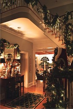 This is what I dream of my house looking at Christmas time... One day.