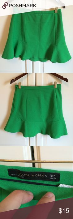 Zara skirt. Size medium Green mini skirt. Falls to just above knee. Hidden side zipper. Fits size 4-6. Zara Skirts