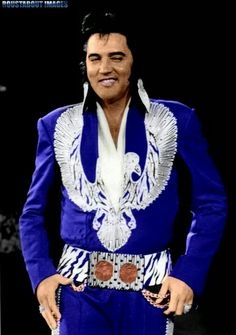 The One and Only Singer Elvis Presley. Lisa Marie Presley, Priscilla Presley, King Elvis Presley, Elvis Presley Photos, Musica Elvis Presley, Elvis Presley Concerts, Elvis In Concert, Rock And Roll, Elvis Costume