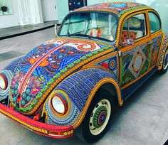 Your daily dose of hippie lifestyle! All photo credit goes to its respective owners Via 💗 Comment below if You like this💖 🌹 Love to tag? Hippie Car, Hippie Boho, Bohemian Style, Boho Chic, My Dream Car, Dream Cars, Car Paint Jobs, Vw Vintage, Arte Popular