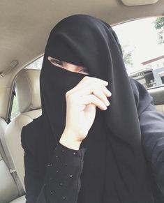 Hijab Dress Party, Hijab Outfit, Beautiful Muslim Women, Beautiful Hijab, Niqab Fashion, Muslim Fashion, Hijab Niqab, Mode Hijab, Hijabi Girl