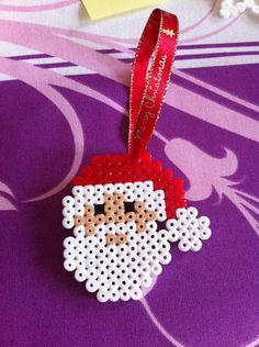 Ideal for decorating the Christmas tree. Decoration handmade in Hama, perler beads. Hama Beads Design, Diy Perler Beads, Perler Bead Art, Melty Bead Patterns, Pearler Bead Patterns, Beading Patterns, Christmas Crafts For Kids, Xmas Crafts, Christmas Decorations