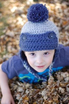 Toddler Trapper Hat FREE Crochet Pattern - Make with two strand, this hat works up quick and is thick and cozy. {Pattern by Whistle and Ivy}: