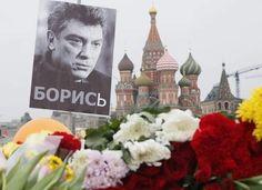 """Nemtsov in laatste interview voor de moord: """"Poetin bracht het nazisme in de politiek"""" - HLN.be    Waarom? Mensen doden , schelde hy u moeder uit? U vader,u zus , u reliegie ,u land? Neen hij zij gewoon luid wa de mensen niet durven te zeggen . R.I.P. Nemtsov"""